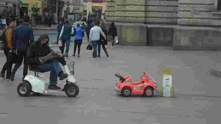 Львівська міськрада заборонить будь-які атракціони у центрі міста