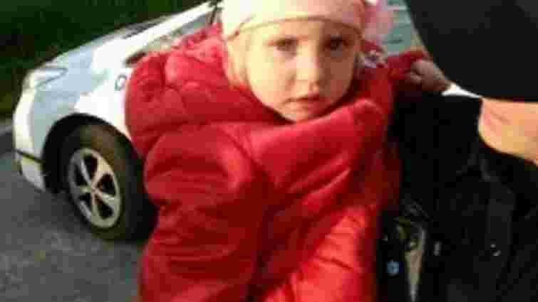 У кафе на Сихові знайшли дворічну дівчинку, яку загубила мама