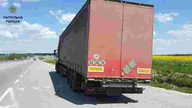 На Львівщині водіїв вантажівок оштрафували на €4500 за перевищення вагових норм