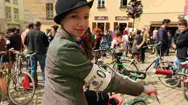 У Львові втретє відбувся ретро-велозаїзд «Батяри на роверах»