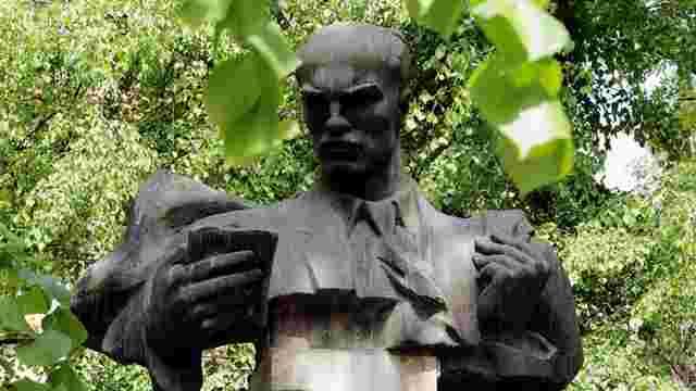 «Цей пам'ятник не простояв би у Львові 25 років...»