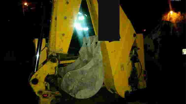 Охоронці будівництва трамвайної колії на Сихів крали паливо з техніки