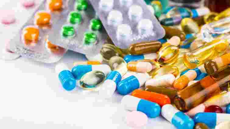 Прем'єр пояснив, хто завищує ціни на ліки і коли вони подешевшають