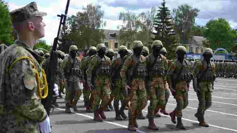У Хмельницькому випустили перших в Україні інструкторів, навчених за стандартами НАТО