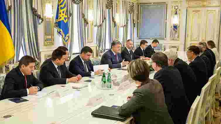 Петро Порошенко закликав країни G7 продовжити санкції проти Росії