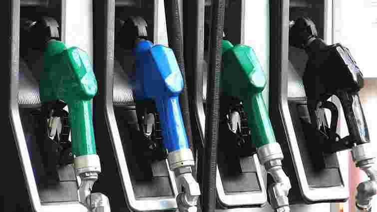 АЗС вкотре синхронно підвищили ціни на всі види пального