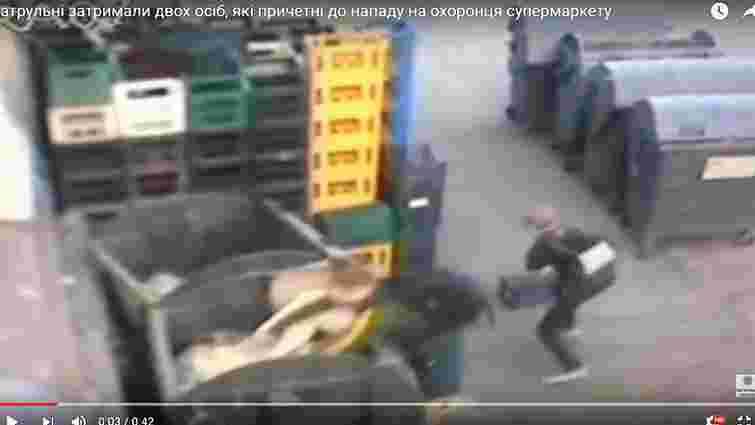 У Львові затримали двох чоловіків, які стріляли в охоронця супермаркету
