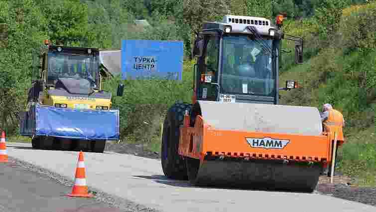 На Львівщині ремонтують дорогу від Турки до Закарпаття