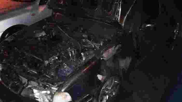 Вночі на Сихові у Львові горів автомобіль