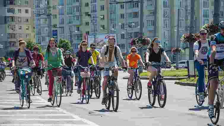 Велосипедисти закликали владу знизити ліміт швидкості на дорогах у містах до 50 км/год
