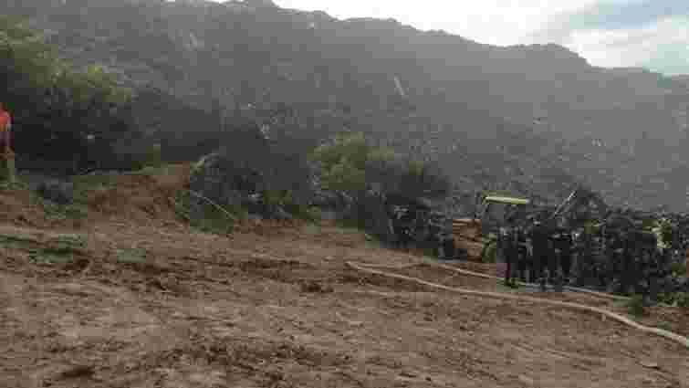 Пошуки завалених пожежників на Грибовицькому сміттєзвалищі відновили