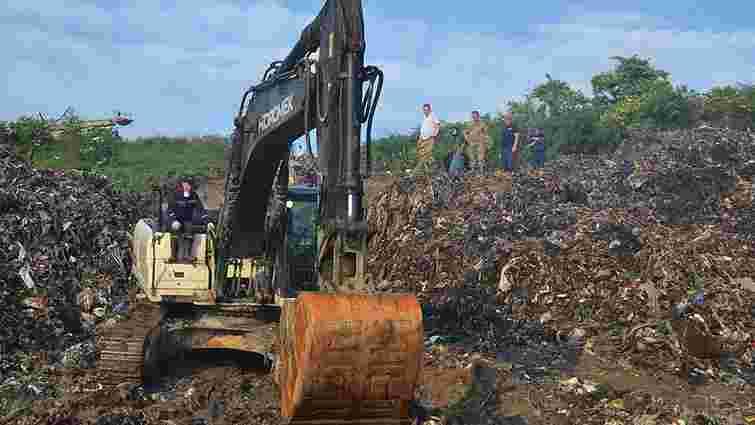 У пошукових роботах на Грибовицькому сміттєзвалищі задіяні понад 500 людей