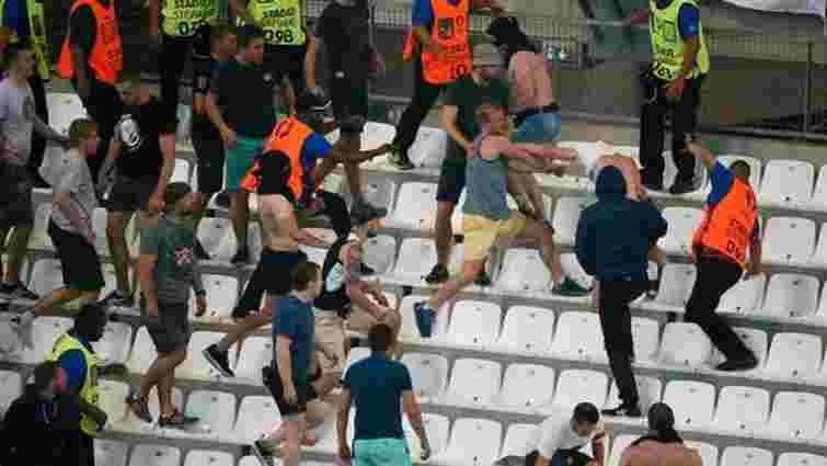 Російські фани атакували трибуни з англійськими вболівальниками після матчу Євро-2016