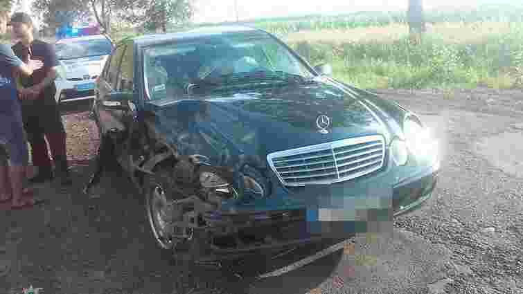 Патрульні по дорозі на виклик затримали водія-втікача, який скоїв ДТП на Львівщині