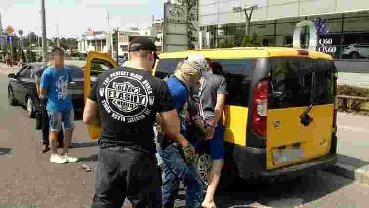 У Києві затримали нацгвардійця під час продажу наркотиків