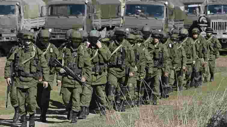 Прикордонники заявили про зростаючу активність російських військ на кордоні з Кримом