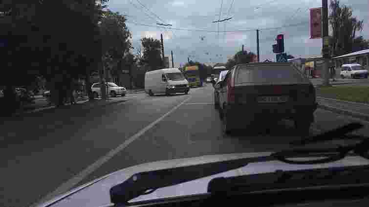 На вул. Зеленій вантажівка збила 78-річного пенсіонера
