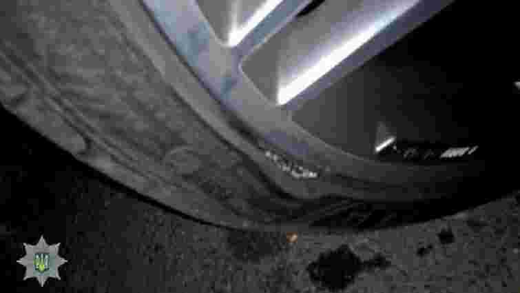 У Львові водій автівки потрапила у ДТП через неякісне дорожнє покриття