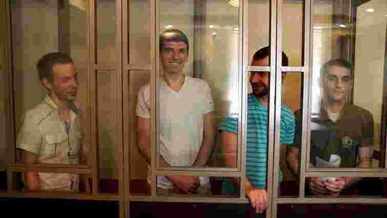 У Росії прокуратура вимагає від 7 до 17 років колонії для чотирьох кримчан