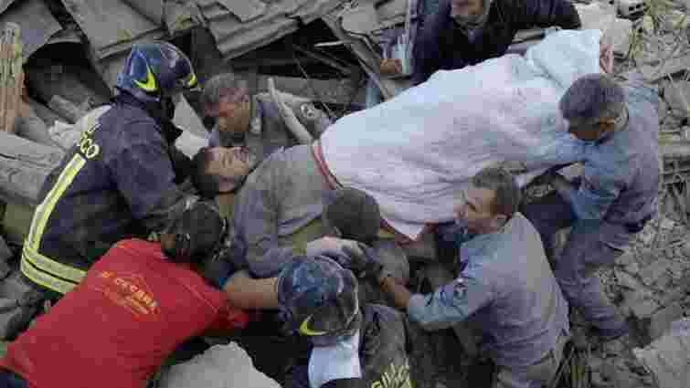 Кількість жертв землетрусу в Італії збільшилася до 247 людей (оновлено)