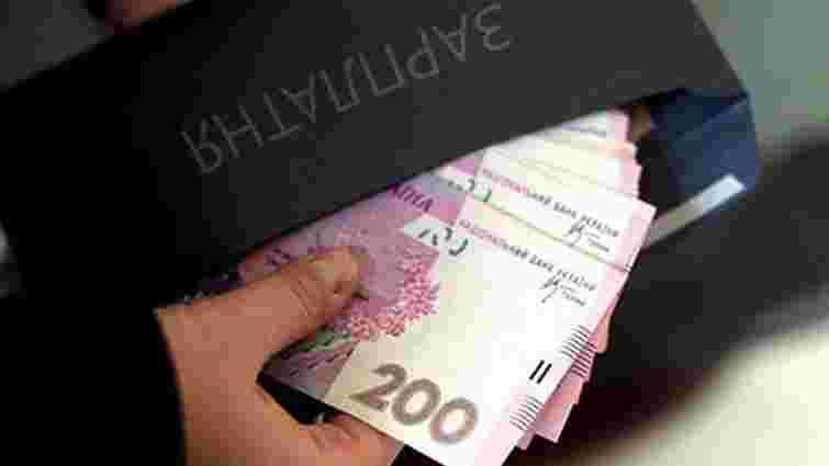 Тіньові зарплати своїм працівникам виплачують більше 60% перевірених ДФС підприємців