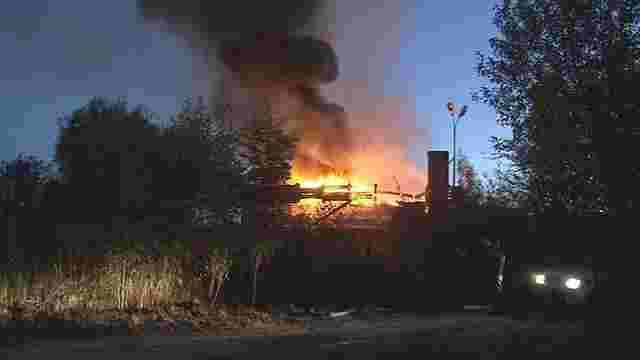 Поблизу Львова вдруге за добу виникла пожежа на території закинутого мотелю