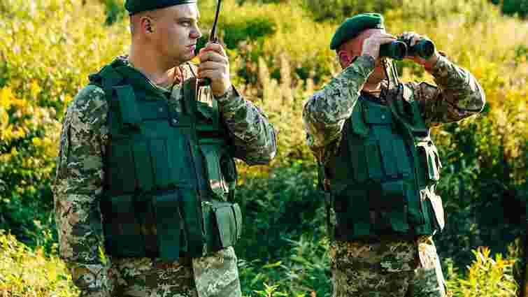 Львівські прикордонники затримали порушників, які намагались незаконно потрапити до Польщі