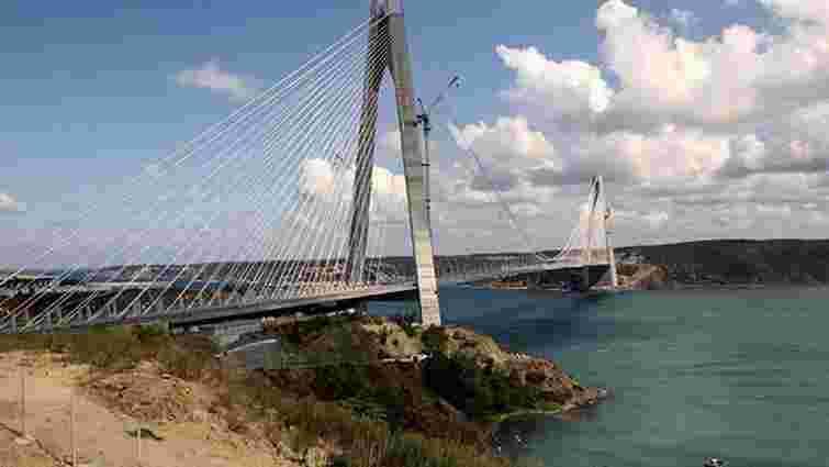 У Стамбулі відкрили третій міст через Босфор