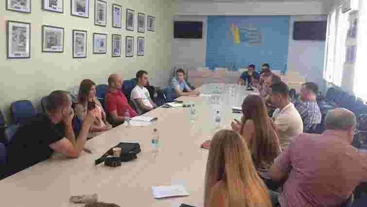 Переселенці долучаються до роботи над законами про житло і підприємництво