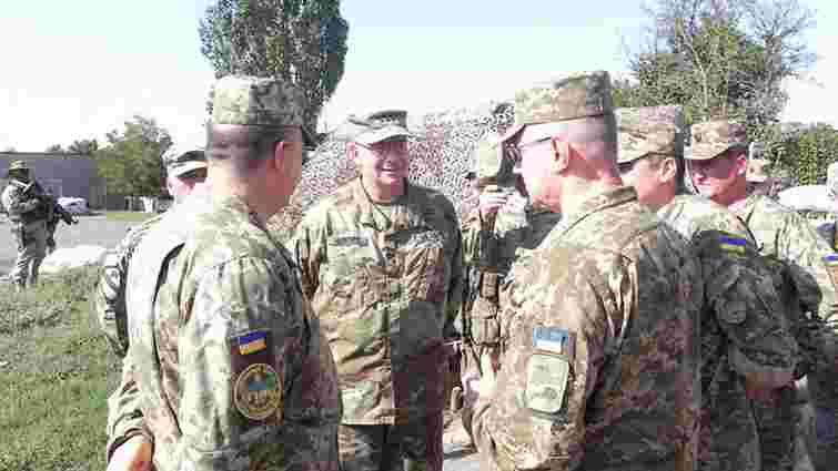 Командувач сухопутних військ США у Європі відвідав українські позиції під Маріуполем