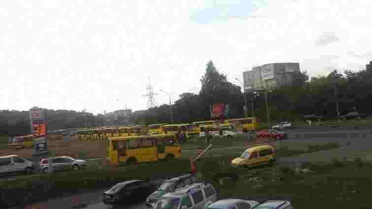 У Львові на маршрути виїхали 400 автобусів
