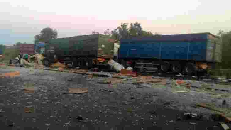 На Полтавщині внаслідок зіткнення трьох вантажівок загинуло троє людей