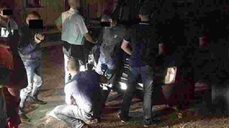 Поліцейського з Львівщини, в якого знайшли наркотики, відсторонили від посади