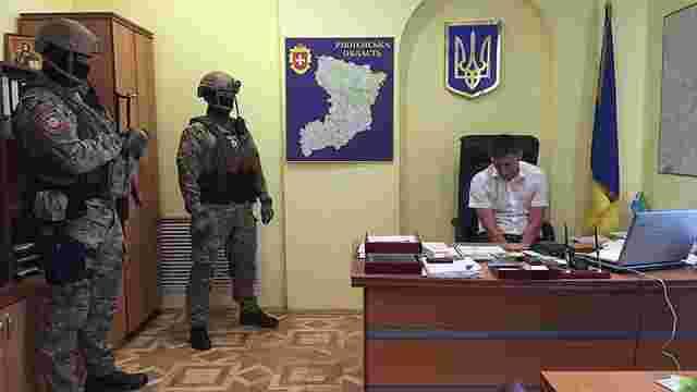 Правоохоронці затримали прокурора Сарн під час спецоперації «Бурштин»