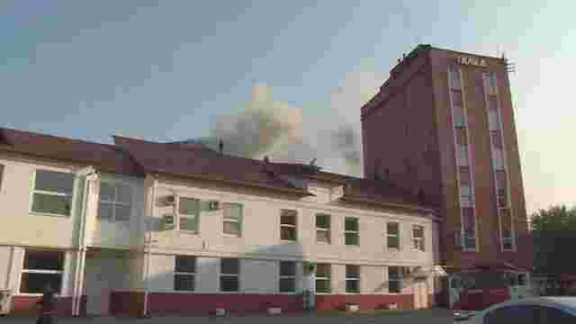 У Львові гасять пожежу на кавовій фабриці