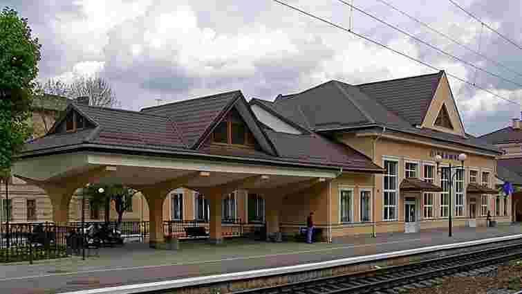 З наступного тижня регіональні потяги зупинятимуться на станції «Підзамче»