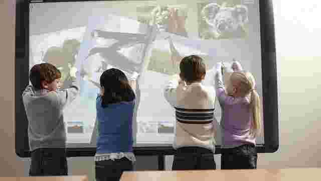 Для львівських шкіл куплять 20 інтерактивних панелей