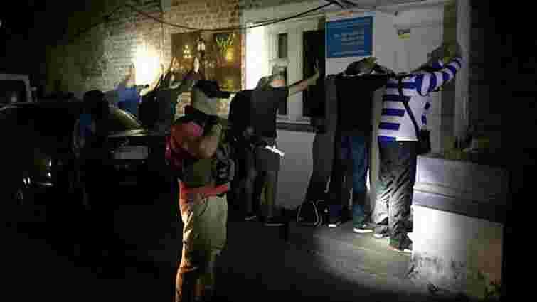 СБУ ліквідувала на Вінничині рекетирів, які вимагали від людей неіснуючі борги