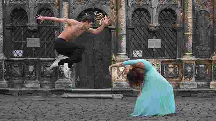 Фото танцівників на вулицях Львова стали першими у Ballerina Project Ukraine