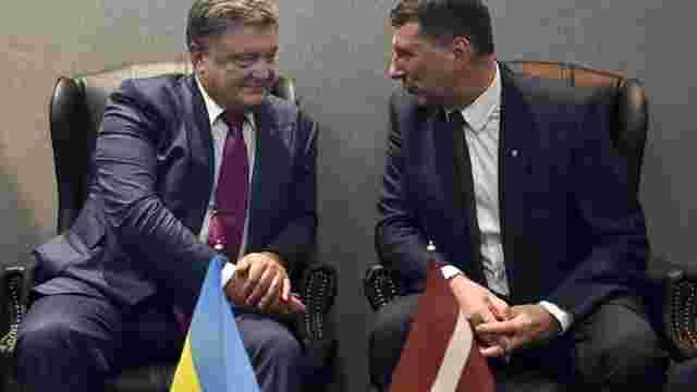 Порошенко попросив Латвію повернути €50 млн, виведених з України за правління Януковича
