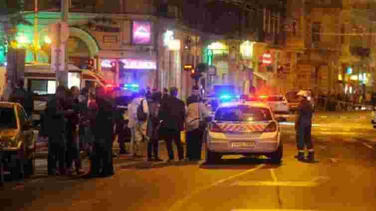 У Будапешті розшукують зловмисника, який кинув саморобну бомбу у поліцейських
