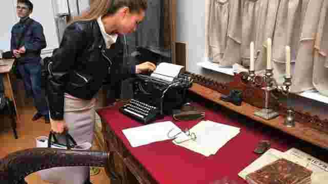 Історики відтворили робоче місце Михайла Грушевського та відкрили електронний архів його праць