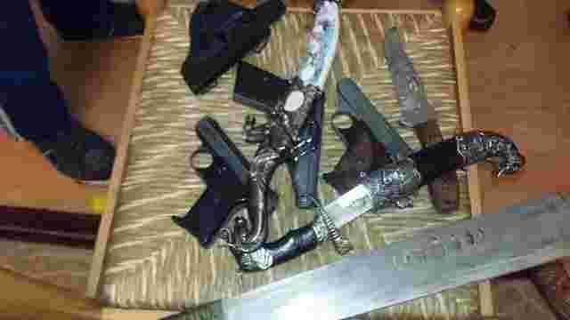 На Сокальщині у братів-наркоторговців вилучили зброю та боєприпаси