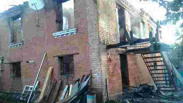 На Київщині в нічній пожежі загинули двоє дітей, залишених батьками без нагляду
