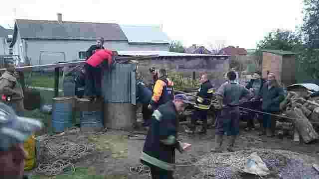 У селі під Львовом загинув 48-річний чоловік, який застряг у криниці