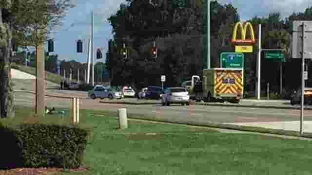 У США озброєні люди захопили заручників в приміщенні McDonald's