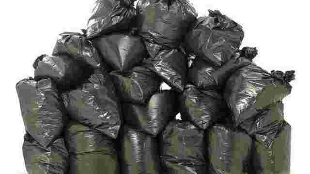 Незвичайні пригоди львівського сміття у заголовках новин