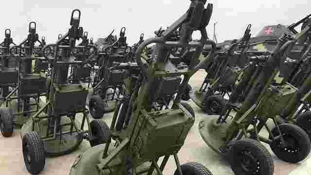 З'явилися фото озброєнь, які Порошенко передав українській армії