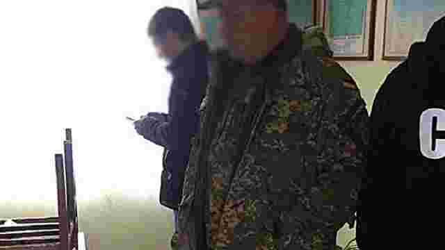 На Одещині заступника командира роти затримали на хабарі