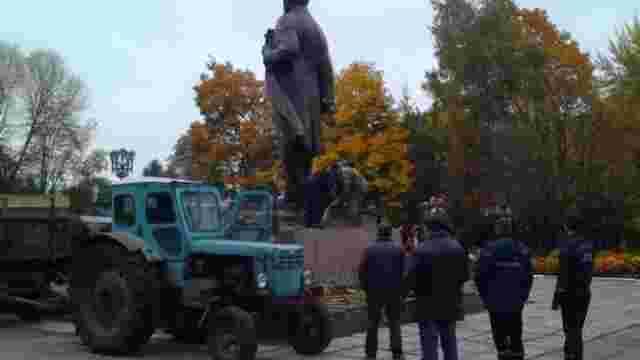На Чернігівщині демонтували останній пам'ятник Леніну в Україні